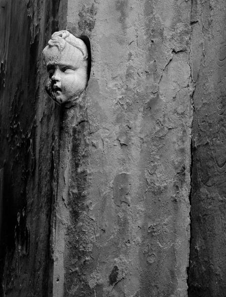 Face In Wall, Venice