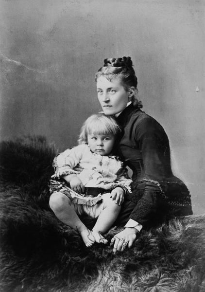Mrs.Redpath&child, Montreal, 1880, Notman&Sandham