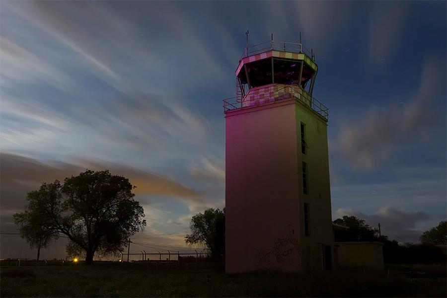 The Dark Tower-- Abandoend NASA Base