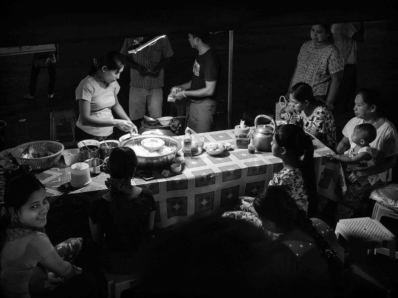 Street Kitchen (Yangon, 2013)