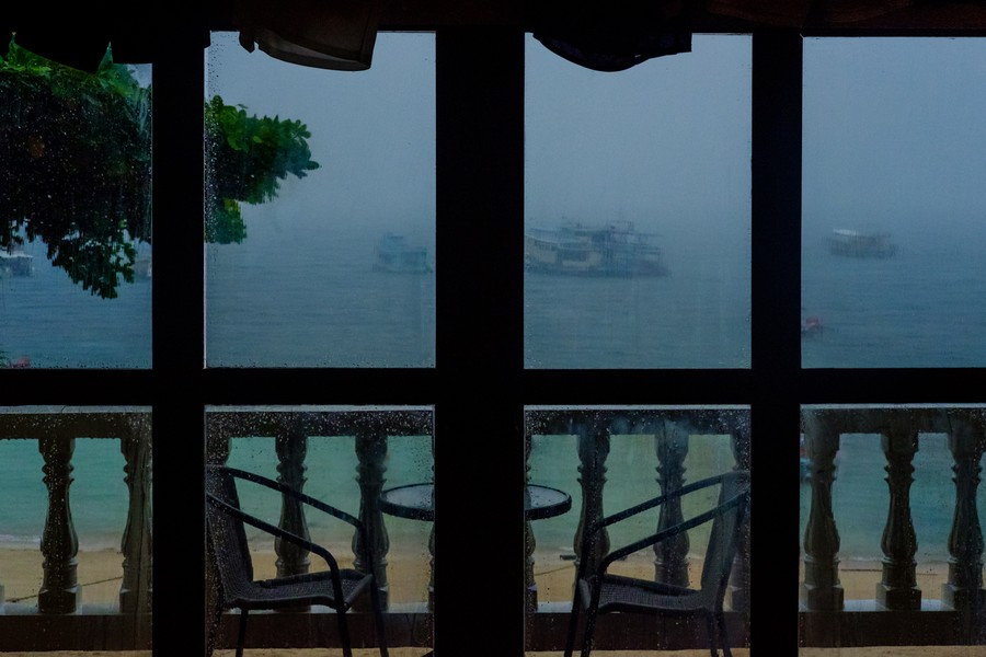 Ships in a Squall, Ko Tao