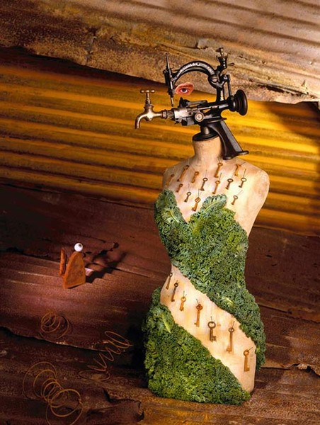 The Mannequin that wore Keys and Kale