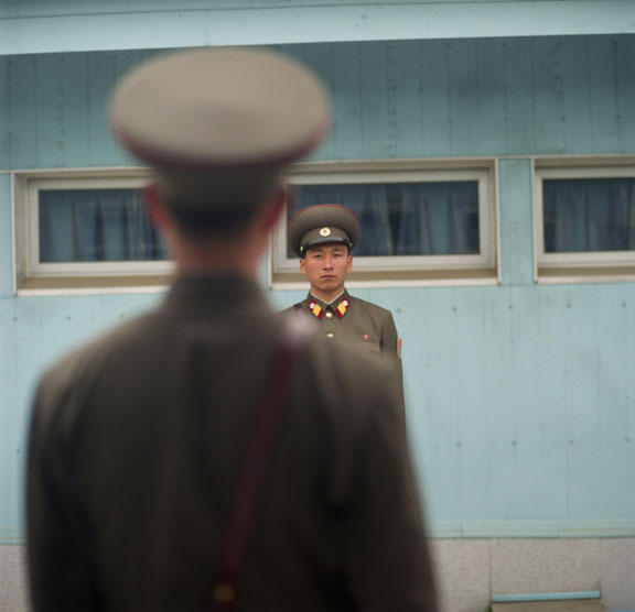 Soldiers, Demilitarized Zone
