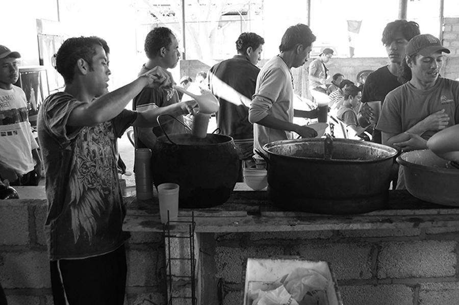 Lunch, Ixtepec shelter, 2012