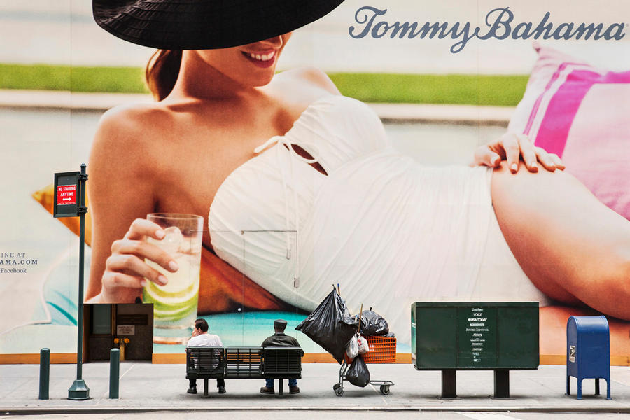 Tommy Bahama 02, 2012