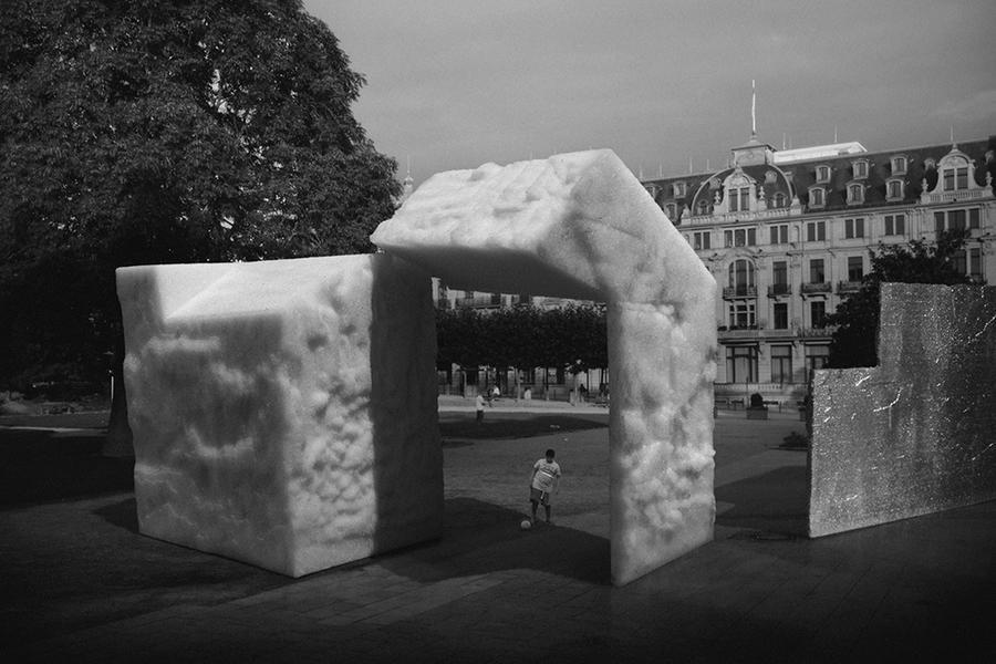 Untitled #9 (Kaiser-Freidrich Platz, Wiesbaden...)