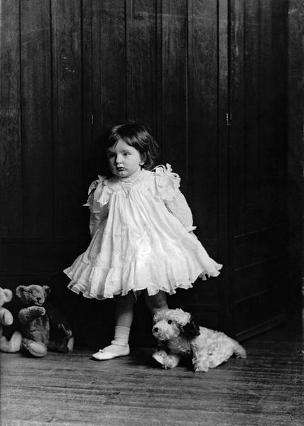 Missie Olive Joseph, Montreal, 1908, WmNotman&Son