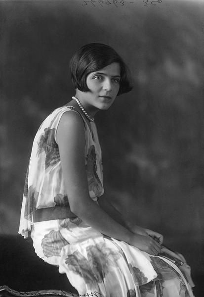 MissV.Winfield, Montreal, 1925, WmNotman&Son