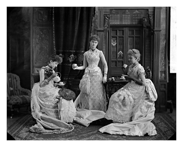 MissEvans&friends, Montreal, 1887, WmNotman&Son
