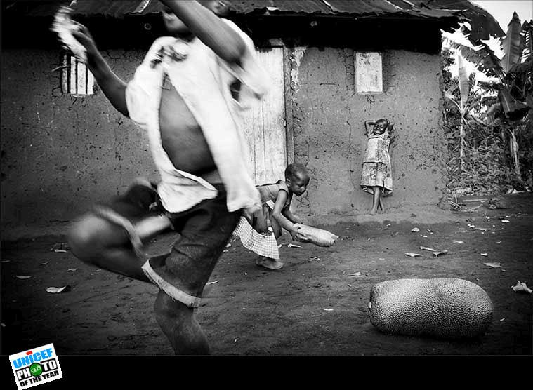'At Play, Uganda' UNICEF: 2010 Photo of The Year