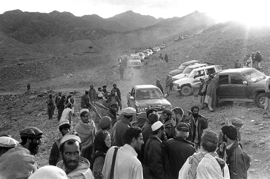 Press at Tora Bora, Afghanistan, Dec 2001