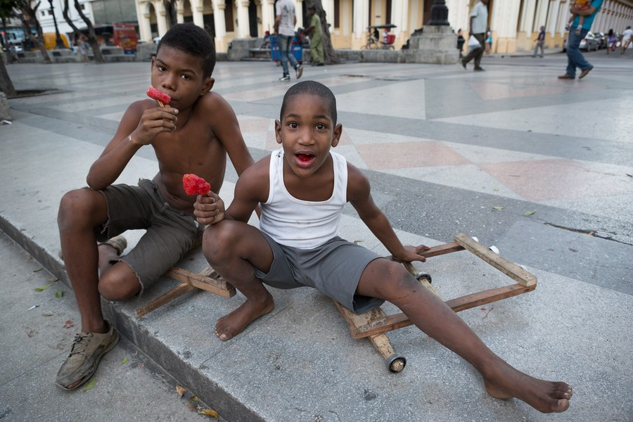 Boys with Red Popsicles / Havana