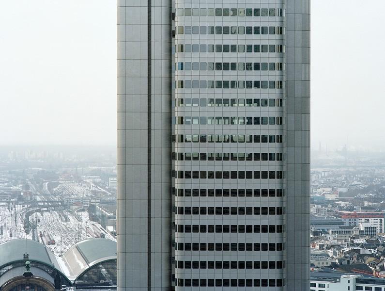 Silver Tower #26, 2010, c-print, 90x115 cm