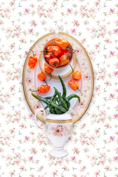 Noritake Blooming Splendor with Pepper